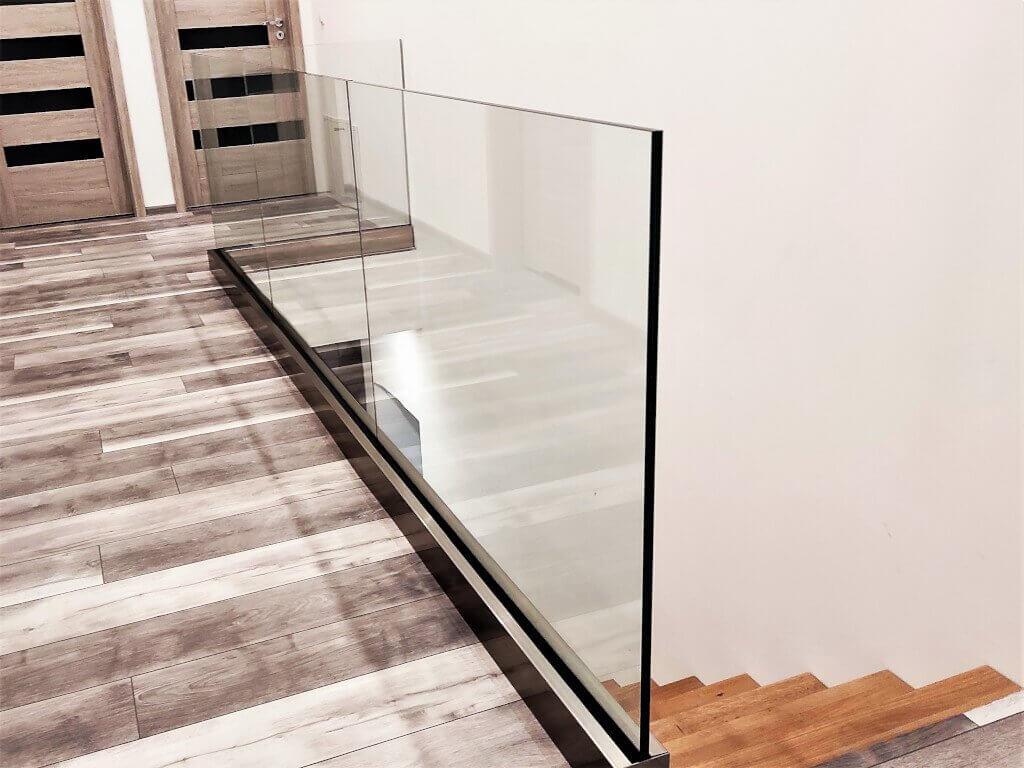Naabo balustrada szklana wewnętrzna